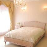 プリマベーラ クィーンサイズ ベッド 薔薇の彫刻 ピンクベージュ色のサムネイル