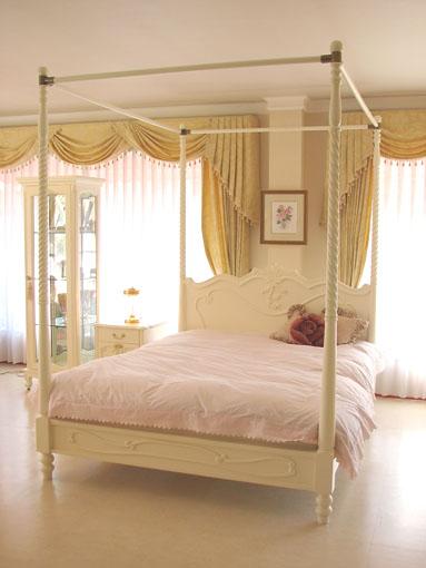 ラ・シェル 天蓋付きベッド セミダブルサイズ ホワイト色