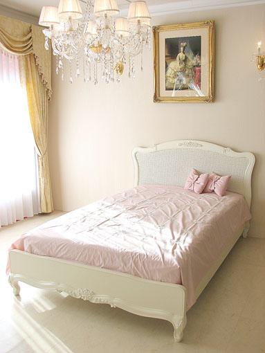 プリマベーラ セミダブルベッド 薔薇の彫刻 ホワイト