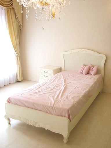 プリマベーラ シングルベッド リボンの彫刻 ホワイト