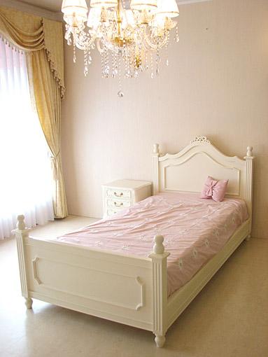 レディメイ セミダブル ベッド リボンの彫刻 ホワイト色