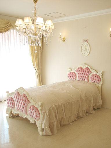 オードリー 女優ベッド ベルベット ベビーピンクの張り地 シングルサイズ