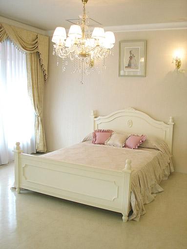 レディメイ ダブルサイズベッド 薔薇&バレエシューズの彫刻 ホワイト色