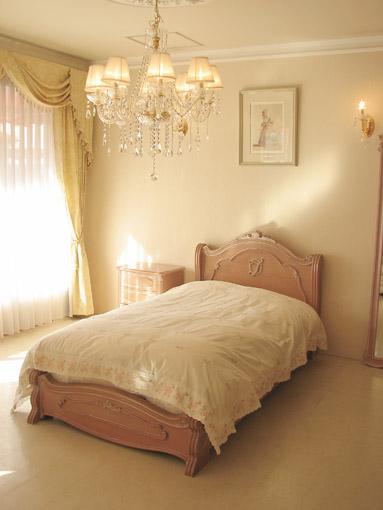 ラ・シェル シングルサイズベッド シェルの彫刻 イニシャルT フットボード シェルの彫刻 ピンクベージュ色