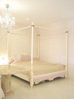 女優ベッド 天蓋 オードリー キングサイズ ピンクモアレの張地