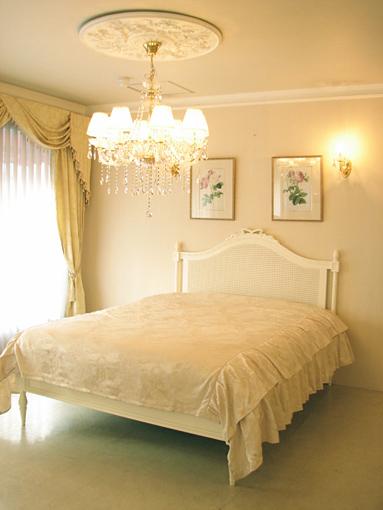 フレンチスタイルベッド クィーンサイズ ホワイト色
