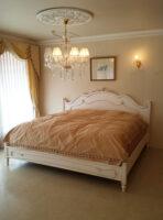 ラ・シェル キングサイズベッド フレンチスタイル シェルの彫刻 マダム・ココ色