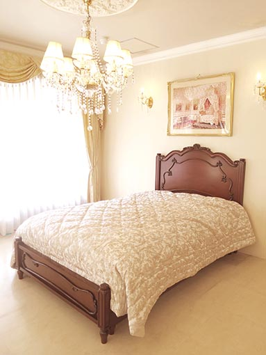 ラ・シェル セミダブルベッド フレンチスタイル シェルの彫刻 ボトム付き メイプル色