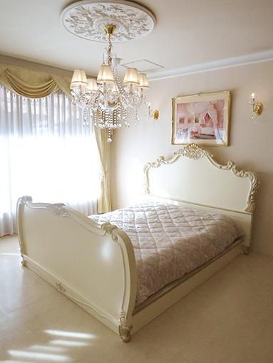 ロココベッド クィーンサイズ ゴージャススタイル アンティークホワイト&ゴールド色 マットなし
