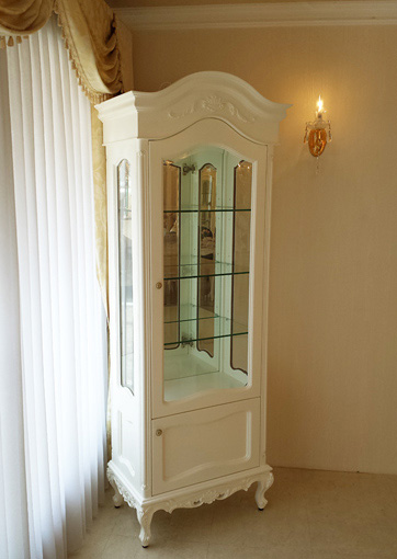 ラ・シェル ショーケース ビバリーヒルズの彫刻 高さ201cm 2枚扉 ホワイト色