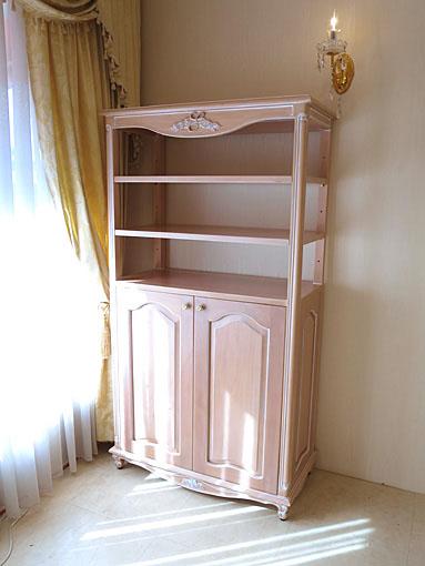 ブックシェルフ W90×H165 下部両開き扉 薔薇と美しい彫刻 ピンクベージュ色
