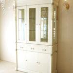アフロディーテ キャビネット三枚扉 引出し3杯 ホワイトグロス色 オニキスナチュラル色 装飾仕上げのサムネイル