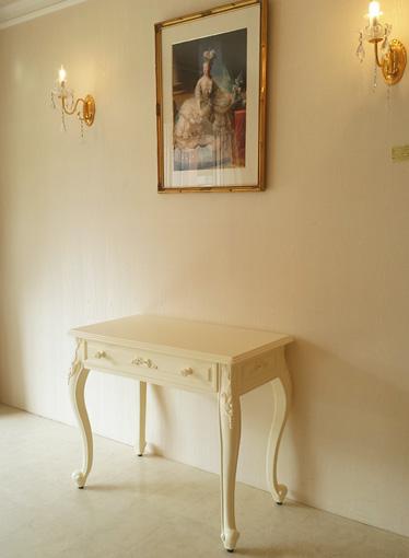 デスクW90 オードリーリボンの彫刻 薔薇のつまみ ホワイト色