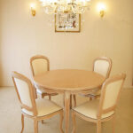 ラ・シェル ラウンドテーブル 薔薇の彫刻 Φ110㎝のサムネイル