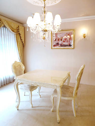 ビバリーヒルズ ダイニングテーブル W100×D100cm マーブルクリーム色