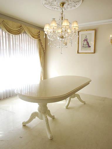ベルサイユダイニングテーブル W220cm オーバル型 ホワイト色 天板ロッソ色