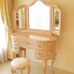 プリンセスドレッサー バラの彫刻 ビバリーヒルズドレッサーの上台 ミラー裏:彫刻あり リボンとブーケ柄オフホワイトの張地のサムネイル