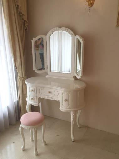 プリンセスドレッサー 女優リボンスタイル ホワイトグロス色 ピンクモアレの張地