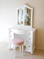 ビバリーヒルズ ドレッサー W85cm 引出し7杯 一面鏡 オードリーリボンの彫刻 スーパーホワイトグロス色 ラウンドスツール付き ピンクモアレの張地