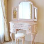 プリンセスドレッサー リボンの彫刻 ピンクベージュ色 オールドローズの張地のサムネイル
