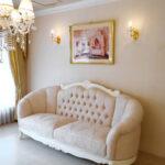 ヴィクトリア 3Pソファ ビバリーヒルズスタイル ホワイト色 リボンとブーケ柄 オフホワイトの張地のサムネイル