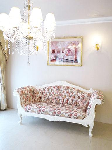 両肘ソファ W190cm ローズフラワーブーケの彫刻 幕板部分彫刻なし ホワイト色 薔薇柄の張地