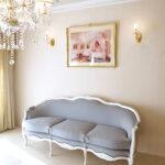 フレンチスタイルソファ 薔薇の彫刻 スーパーホワイト色 グレイッシュファブリックのサムネイル