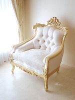 ロココ調ソファ ヴィクトリアンスタイル 1シーター 金箔塗装 アンティーク仕上げ リボンとブーケ柄オフホワイトの張地