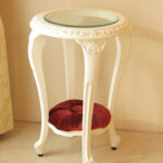サイドテーブル ラウンド ガラストップ ロココスタイル 布張り シェルの彫刻 ホワイト色 マリーアントワネットの張り地のサムネイル