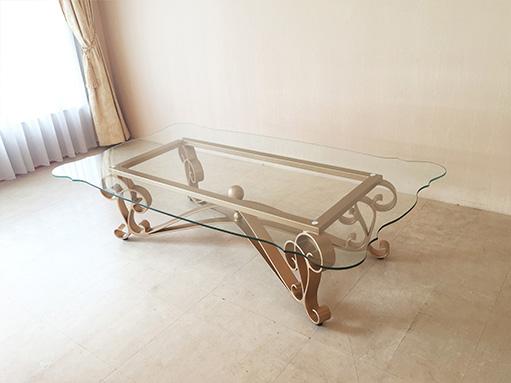 アイアンセンターテーブル アイーダ ゴールド色 変型ガラストップ