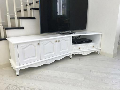 コーナーTVボード W180cm ローズ&リボンの彫刻 3枚扉 引出し2杯 スーパーホワイト色