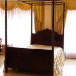 天蓋ベッド セミダブルサイズ ビバリーヒルズ&薔薇の彫刻 ブラウン色のサムネイル