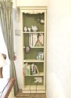造り付け家具 ブックシェルフ シェルの彫刻 アンティークホワイト&ゴールド色 バックパネル モスグリーン色 パターン2