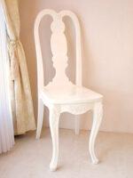 クィーンアンチェア 薔薇の彫刻 ホワイトグロス色