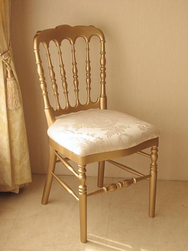 ナポレオンチェア ゴールド色 リボンとブーケ柄オフホワイトの張り地