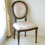 ルイ16世スタイル オーバルチェア 彫刻なし ブラウン色 ピンク花かご柄のサムネイル