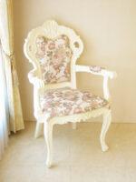 ビバリーヒルズ アームチェア ホワイトグロス色 薔薇柄の張り地