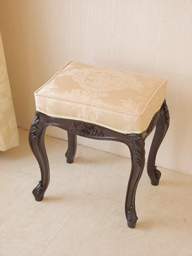 ビバリーヒルズ スツール 薔薇の彫刻 ブラウン色 リボンとブーケ柄イエローゴールド