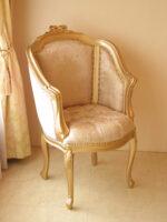 ジューシーチェア オードリーリボンの彫刻 ゴールド色 内側:ピンク花かご柄 外側:ベビーピンクベルベッド