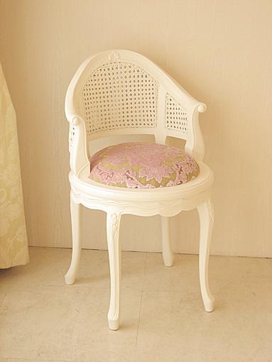 フランスチェア ホワイト色 金華山 ピンク花かご柄の張地 座高:50㎝