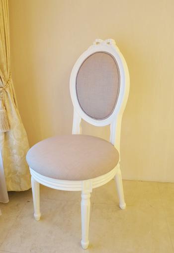 オーバルチェア ルイ16世スタイル リボンの彫刻 ホワイト色
