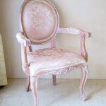 オーバルアームチェア 猫脚 シェルの彫刻 ピンクベージュ色 アンピンクⅠの張地のサムネイル