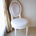 オーバルチェア ルイ16世スタイル リボンの彫刻 ホワイト色 リボントブーケ柄オフホワイトの張地のサムネイル