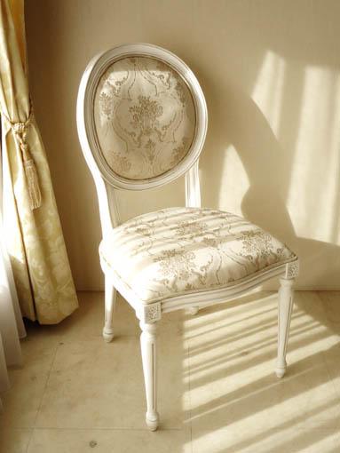 ルイ16世スタイル オーバルチェア 彫刻なし マダム・ココ色 ゴールド花かご柄