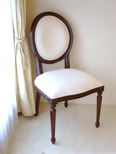 ルイ16世スタイル オーバルチェア 彫刻なし ブラウン色 ホワイトフェイクレザーの張地