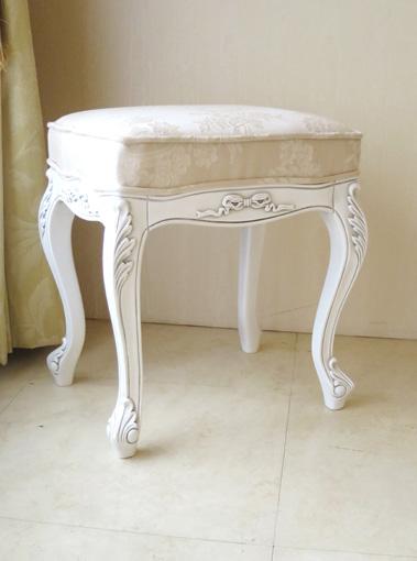 ビバリーヒルズ スツール オードリーリボンの彫刻 ホワイト&ブラックアンティーク色 リボンとブーケ柄オフホワイト
