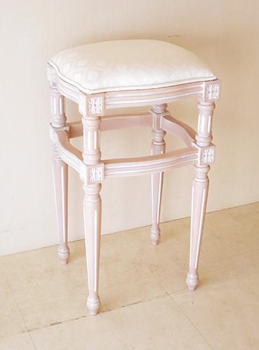 カウンタースツール ルイ16世スタイル ピンクベージュ色 ホワイトダイヤ柄の張地