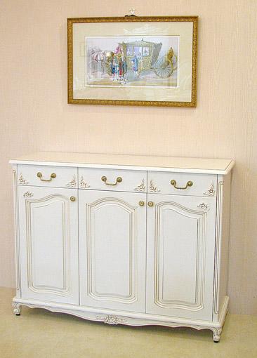 サイドボード3枚戸 お花の彫刻 アンティークホワイト色