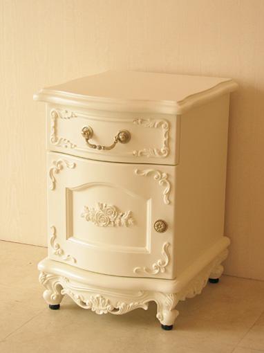 ナイトテーブル 扉右開き 前面ラウンドタイプ 扉 薔薇の彫刻 脚部 ビバリーヒルズの彫刻 ホワイト色