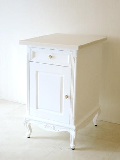 キッチン用サイドチェスト オードリーリボンの彫刻 人工大理石天板 スーパーホワイトグロス色